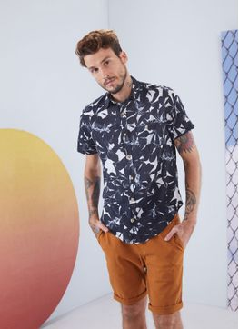 116746_231_1_M_CAMISA-MC-ESTAMPA-DIGITAL-CALEIDOSCOPIO