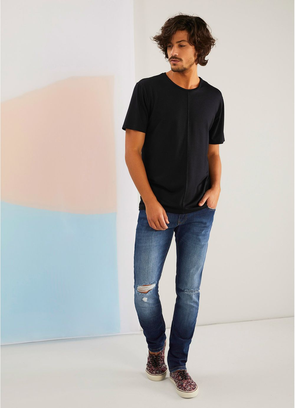 4b3e264a62209e Calça jeans slim detonada JEANS - Compre Online na Redley!