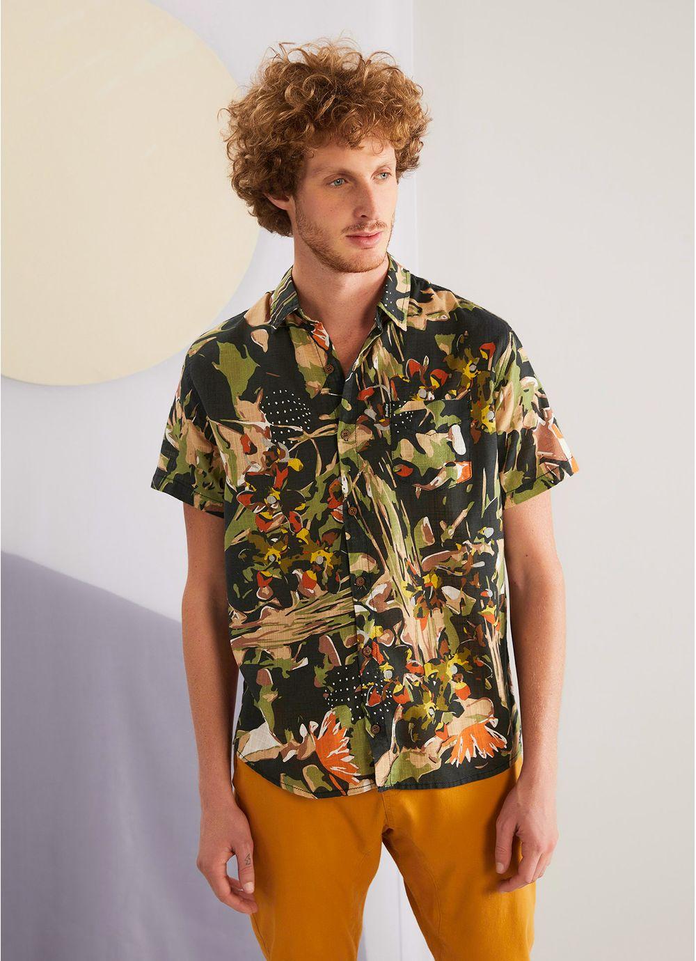 c9173dcb0e6 Camisa manga curta estampada camufa PRETO - Compre Online na Redley!