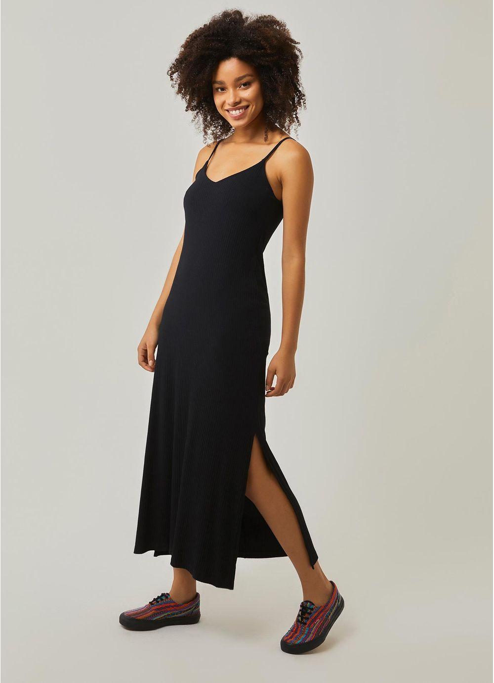8a22e81ad Vestido longo reto canelado PRETO - Compre Online na Redley!