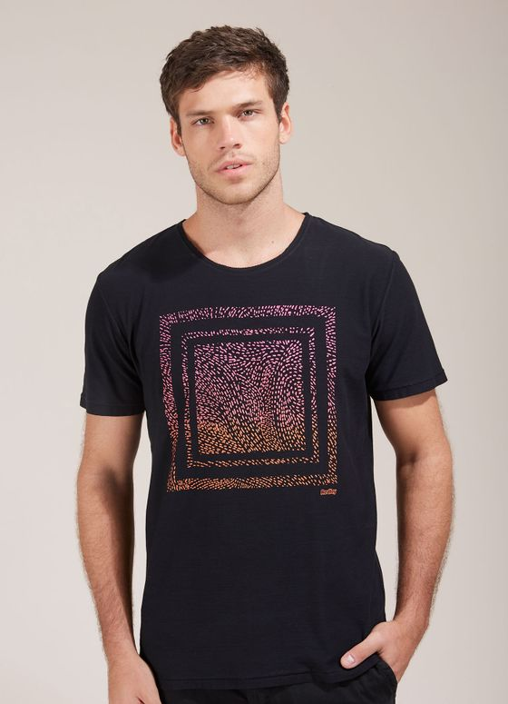 120524_021_1_M_T-SHIRT-ESP-SILK-QUADRADO-ABSTRATO