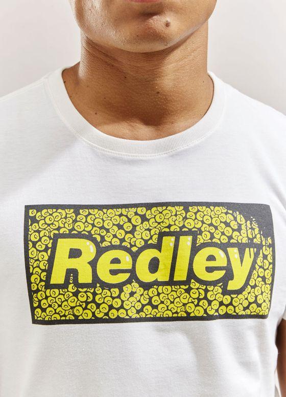 121108_654_2_M_T-SHIRT-COLAB-STUDIO-HELLO-REDLEY