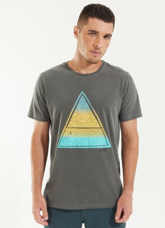 120997_021_1_M259_T-SHIRT-TINTURADA-TRIANGULO-BEACH